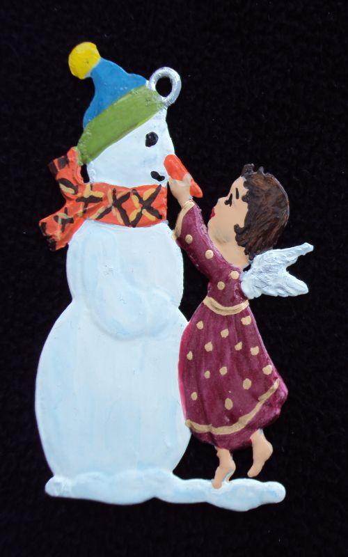 Schneemann mit Engel