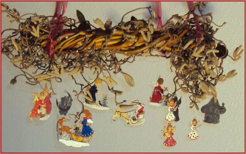 Weihnachtskranz mit Zinnteilen